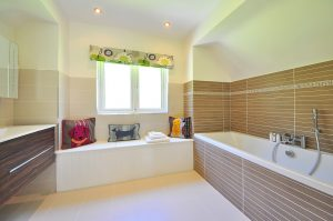 Badkamer Plafond Kunststof : Ga je klussen? vergeet je badkamer plafond niet mee te nemen
